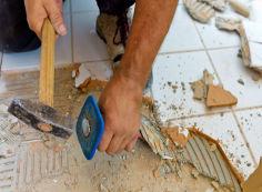 Демонтаж кафельной плитки своими руками