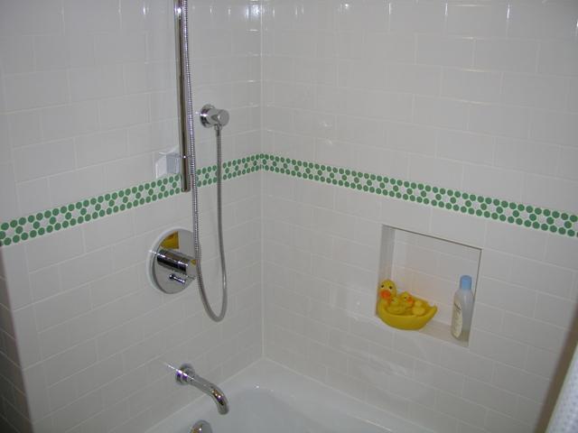 Размер плитки для ванной комнаты: обычная плитка и элементы (фото)