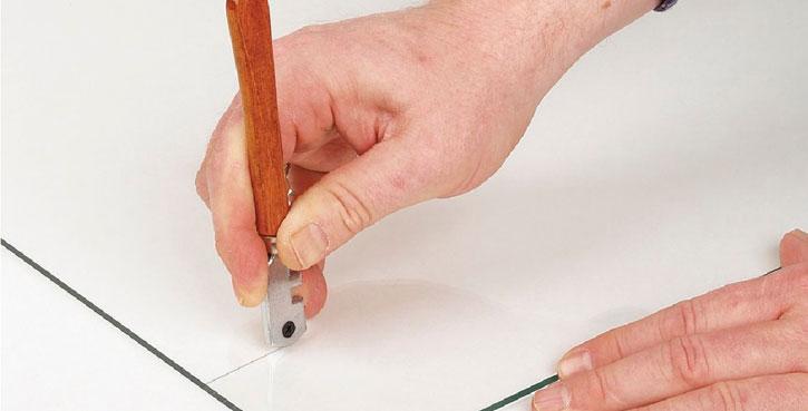какой стеклорез лучше употреблять при резке зеркала 4 мм