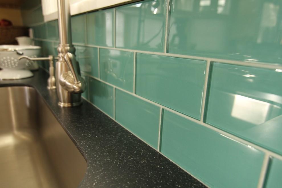Стеклянная плитка для кухни на фартук, мозаика для ванной